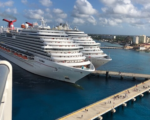 cozumel ships in port