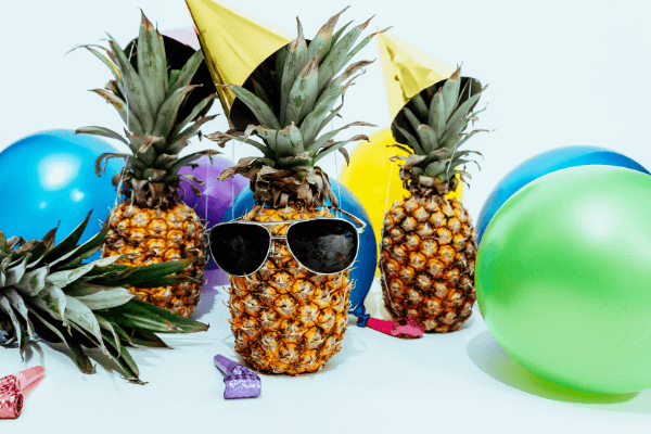 pineapple party decorations
