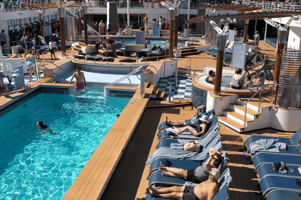 Best things to do on a cruise day - pool