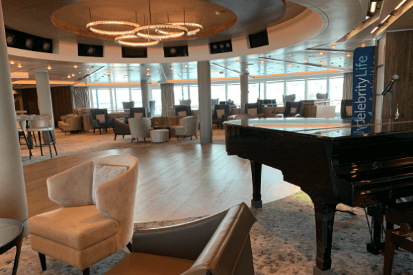 Celebrity Summit Rendez vous lounge 6 x4