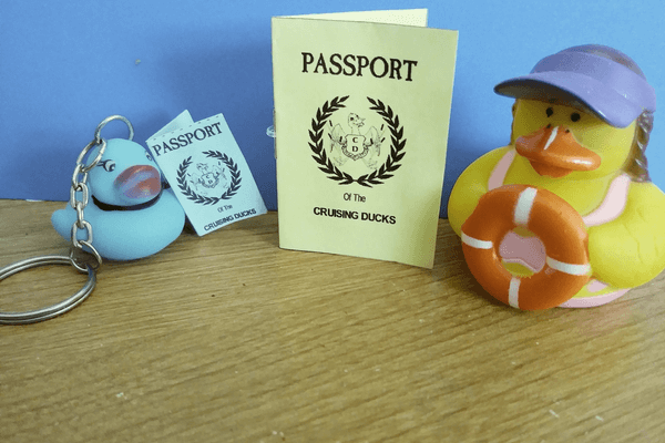 Cruising Ducks passport printable photo 6 x 4