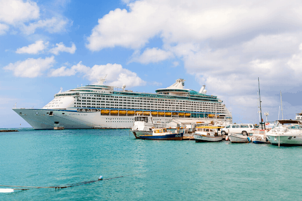 Royal Caribbean cruise ship in Aruba