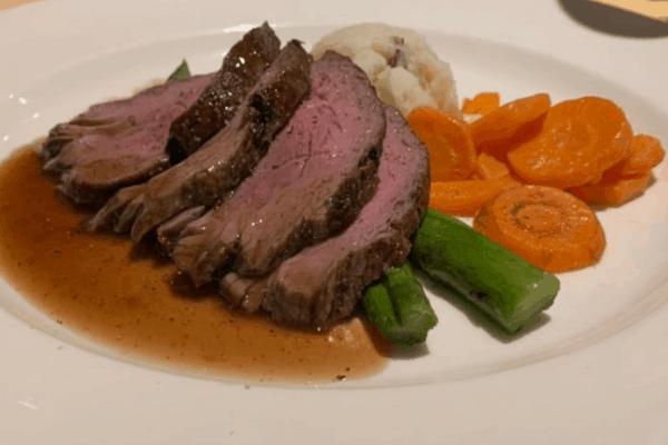 cruise food roast beef