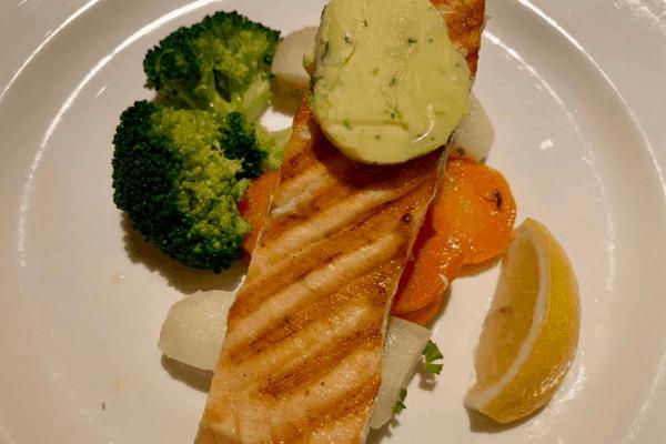 cruise food salmon
