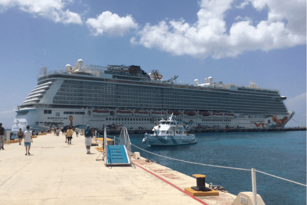 norwegian cruise cruise ship in port