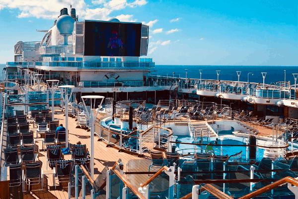 regal princess pool deck
