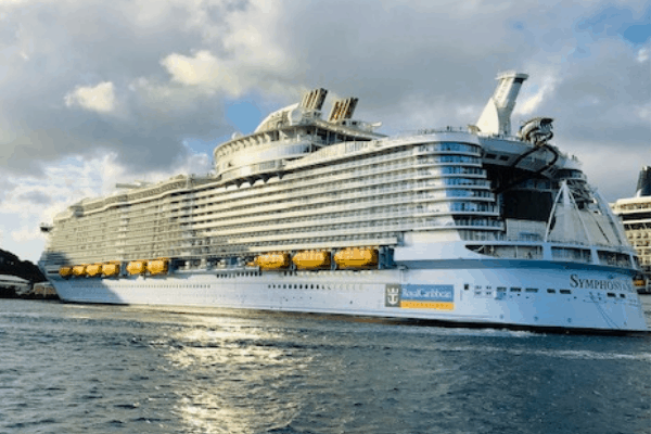 can you wear jeans on a royal caribbean cruise?