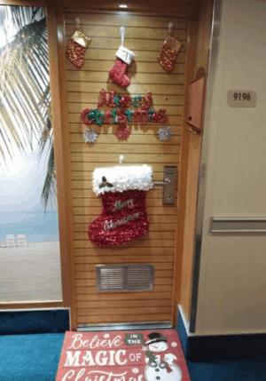 Cruise cabin door Christmas decoration